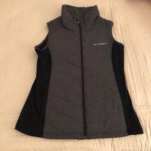 Columbia vest, size medium.